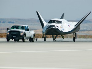 SNC's Dream Chaser completes ground tow test at NASA center in Calif.